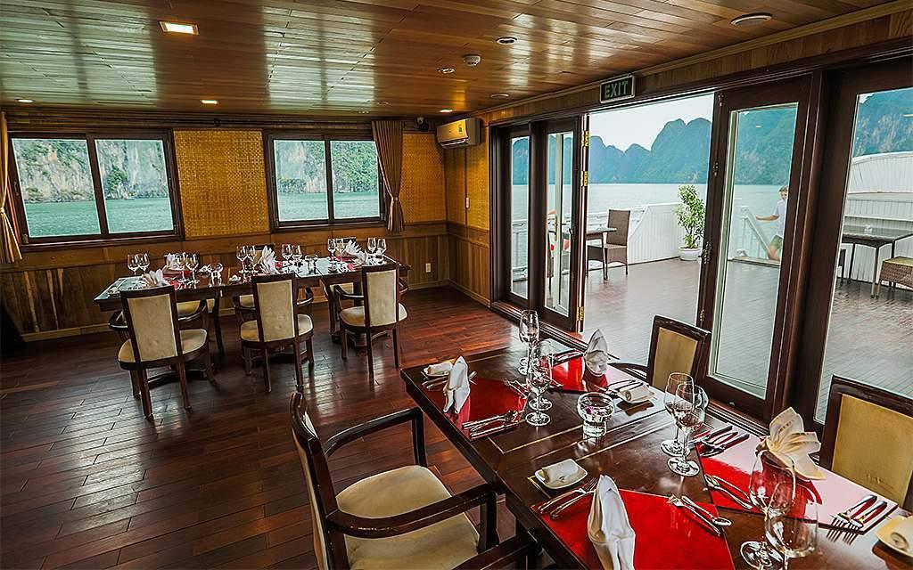 Bhaya Premium Cruise restaurant