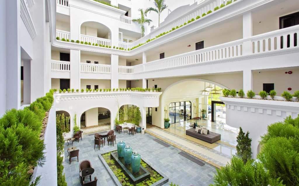Lasenta Boutique Hotel