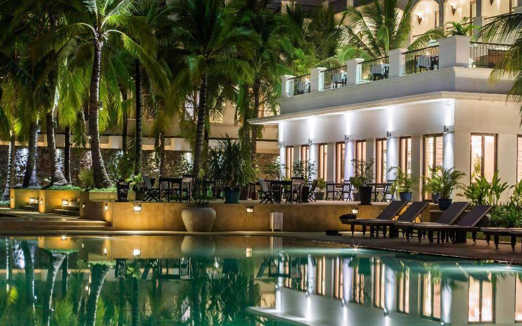 Piscina do Lotus Blanc Resort