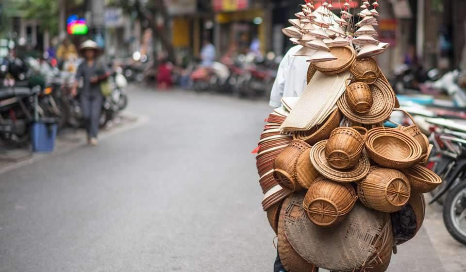 Vendedor callejero de Hanoi