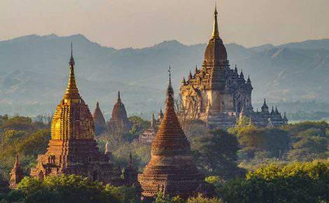 Excursión de día completo a los Templos de Bagan con guía en español