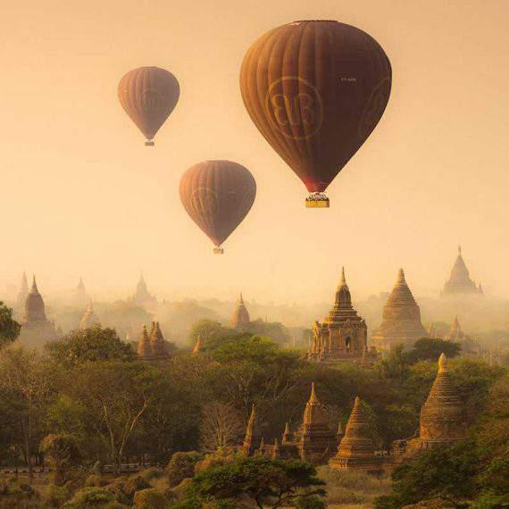 El amanecer en Bagan