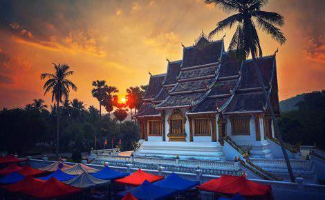 Excursão de um dia em Luang Prabang com guia falante de espanhol