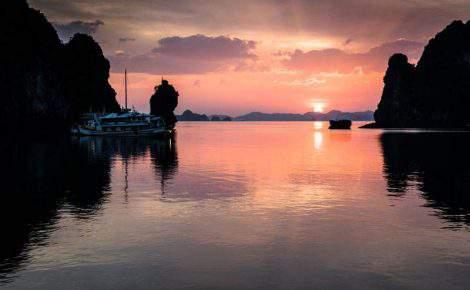 Crucero delujo de dos dias en Bahía de Halong en Paradise Luxury y con guía en español
