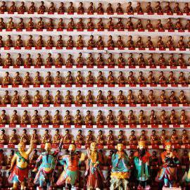 10000 buddhas monastery hong kong