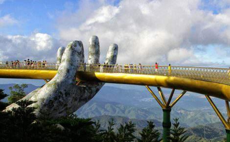 Excursión al Puente de Oro, Ba Na Hills, Pagoda de Linh Ung y museo de Champa con guía en español
