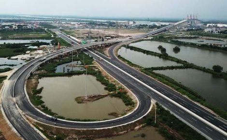A viagem pela nova rodovia de Hanói a Ha Long dura 1,5 hora