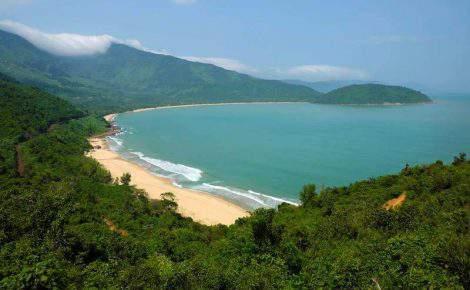 Lang Co beach break