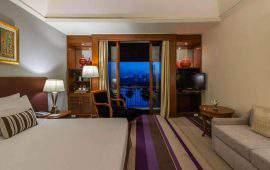 Chatrium Hotel Royal Lake Yangon Deluxe_Room_Pagoda_View1