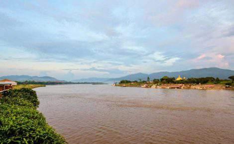 Triángulo de Oro y Chiang Saen en privado