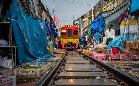 Mercado de Damnoen Saduak, mercado do trem Maeklong & templos de Ayutthaya em português