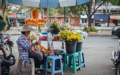 Excursión de medio día al mercado local de Warorot Market en español